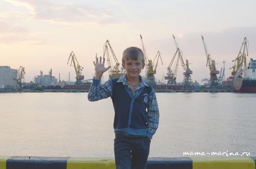 Кирилл в морском порту copy