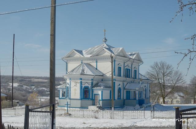 храм и снег